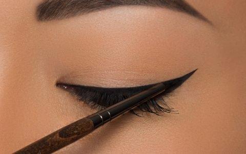 L'eyeliner pour les nulles  (7 tutos + astuces)