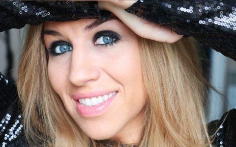Interview d'Emmy MakeUp Pro…Chroniqueuse Beauté, Maquilleuse Professionnelle et Youtubeuse Influente