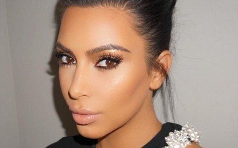 Les produits makeup favoris de Kim Kardashian dévoilés