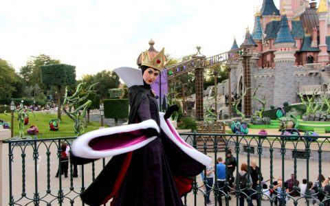 {TUTOS DISNEY HALLOWEEN} – Transformez-vous en Maléfique, Cruella, Reine de Coeur ou Fée Clochette