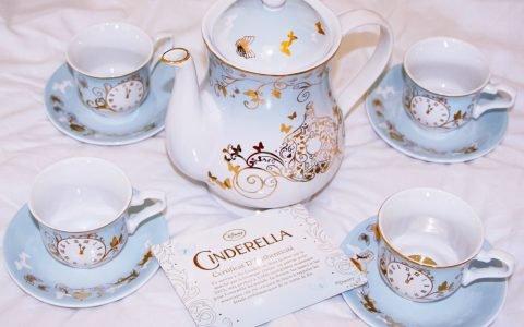 La beauté du jour : Le service de thé Cendrillon