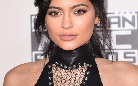 Kylie Jenner lance sa collection de vernis
