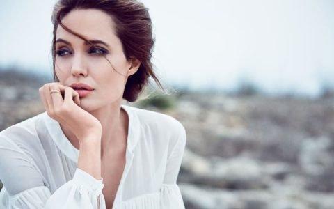 LADYBOSS – Angelina Jolie