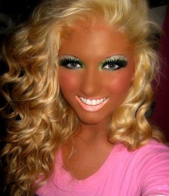 Worst-Makeup-Fails-Of-All-Time-001