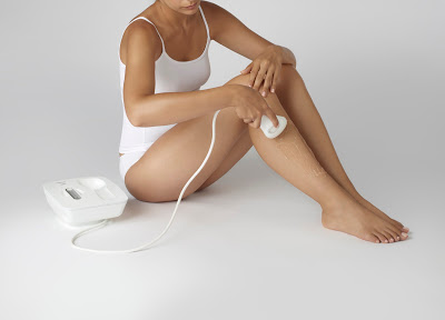 Epilateur-Venus-Naked-Skin-de-Braun-Visuel-dambiance-2